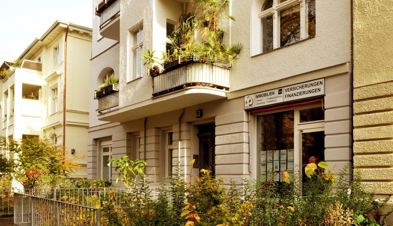 Ladenbüro Akzent Immobilien GmbH - Sponholzstr. 35, 12159 Berlin Slider